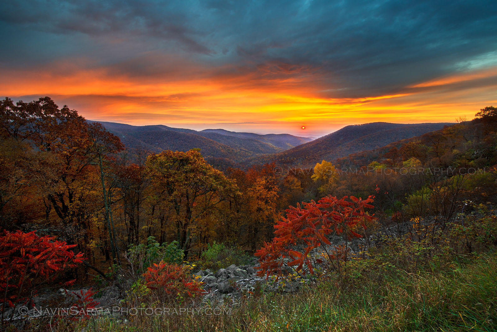 Sunrise in Shenandoah during peak fall conditions