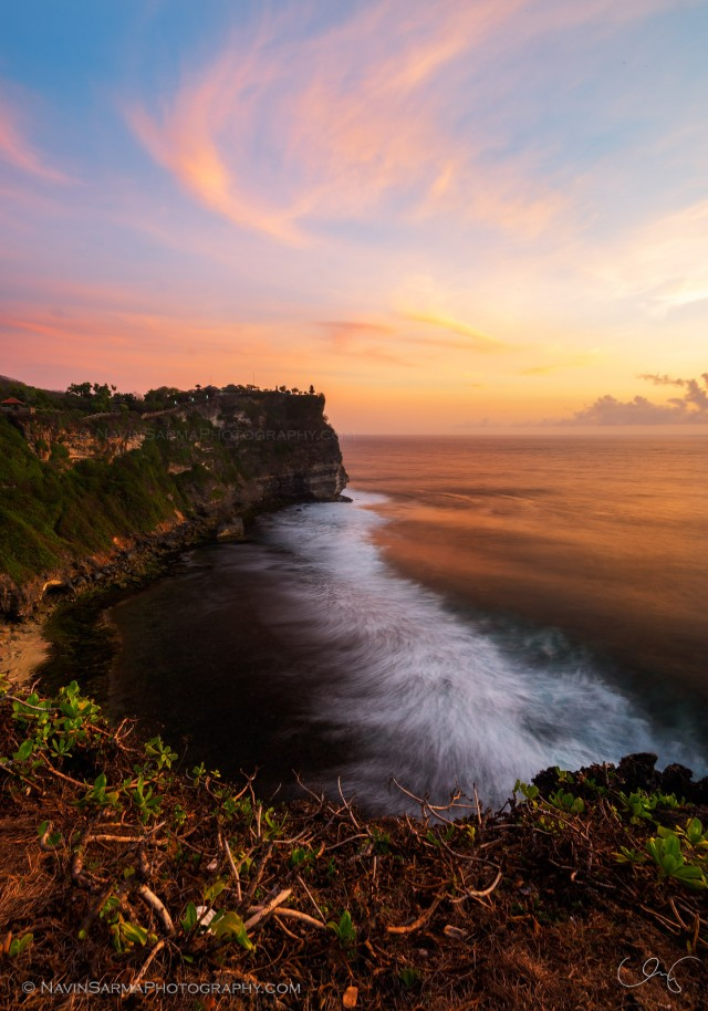 Uluwatu Waves Crashing