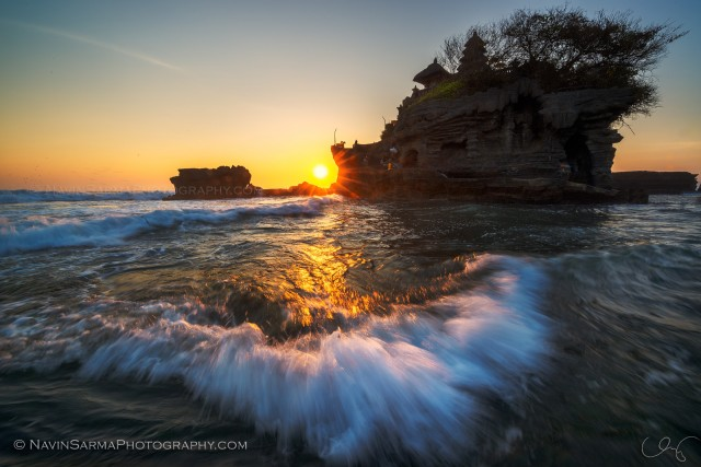 Tanah Lot Sunset Wave